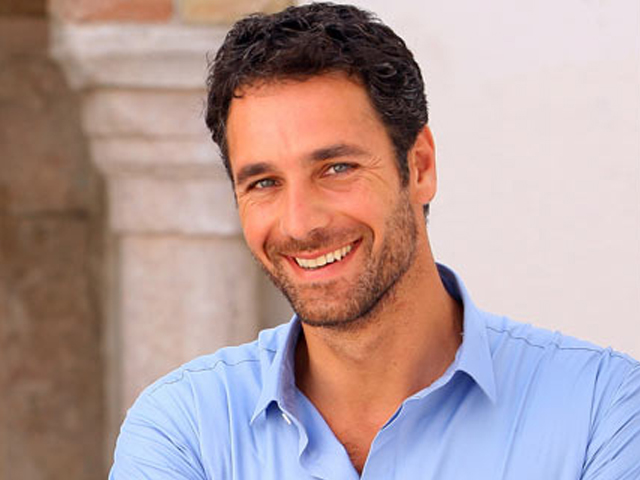 GET TO KNOW: ACTOR PROFILE: RAOUL BOVA | FilmDoo
